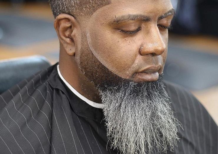 How Can a Black Man Straighten his Beard?
